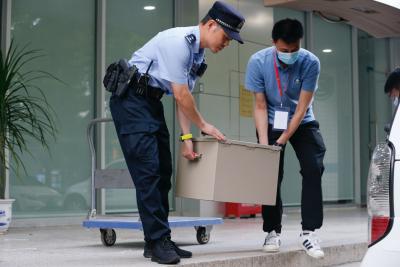警车跟车 揭秘高考试卷押运过程
