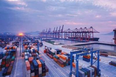 海关总署:上半年外贸进出口好于预期,出口连续3个月正增长