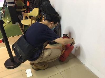 西岭社区开展消防安全夜查行动