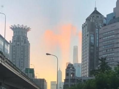 上海惊现海市蜃楼?官方科普:建筑物的影子