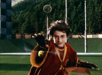 """《哈利·波特与魔法石》热度高居不下!哈迷热议片中霍格沃茨""""名场面"""""""