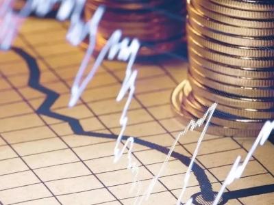 保持金融总量适度 着力稳企业保就业——访中国人民银行行长易纲
