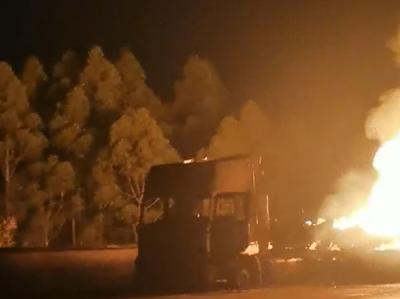 惠大高速交通事故后續 | 槽罐車裝載物質燒完,無人員傷亡