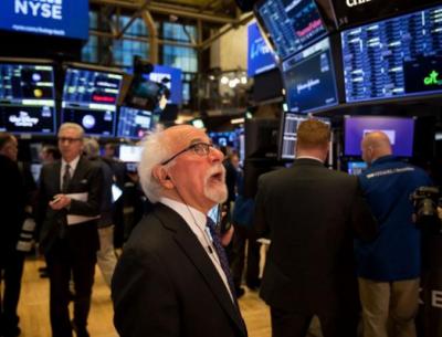 欧股重挫美股开盘跟跌,金价跌穿1930美元,市场分析或与三大原因有关