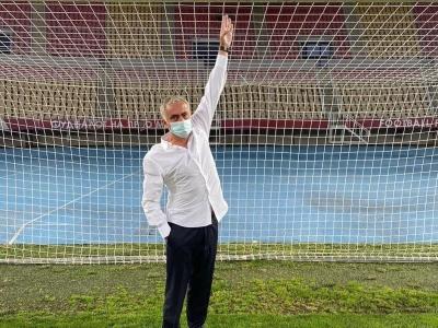穆里尼奥展现经验:用身高当尺子,发现对手球门矮5厘米