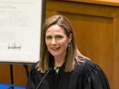 外媒:特朗普计划提名巴雷特出任最高法院大法官