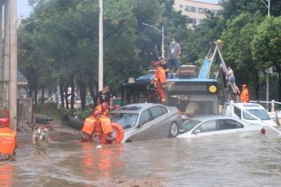 今日仍有阵雨或雷阵雨,昨日宝安等局地暴雨未造成重大灾情