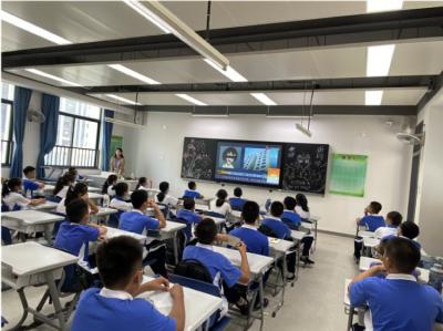 """坪山实验学校""""开学第一课"""",禁毒教育""""打头阵"""""""