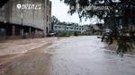 80余名师生被洪水围困 武警战士紧急救援