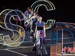SUN DACHUN·孙德春时装作品发布会在北京举行