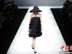德锦·周丽2021春夏《手写》时装新品发布会在北京举行