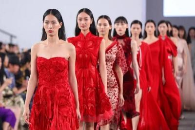 百个时装品牌登场,抖音播放量超六千万!深圳时装周2021春夏系列落幕