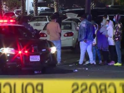 美国加州一购物中心发生枪击案,造成2人死亡