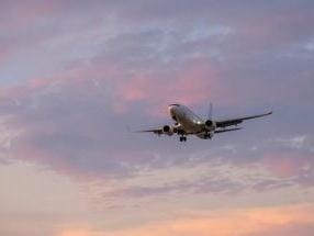 艺人30余万航空里程被盗用兑换15张机票,两嫌疑人被批捕
