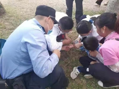 鹏城花展赏秋菊,罗湖警方值守保平安