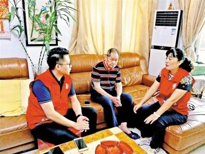 2020年廣東省勞動模范尹華穎:扎根基層服務群眾 做領路人貼心人