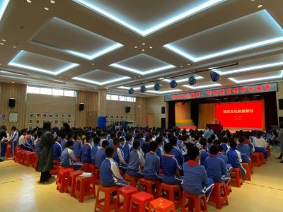 新湖街道樓村社區:老黨員進校園講革命故事