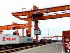 上海港前11月海铁联运业务量突破20万标准箱 同比增长79%