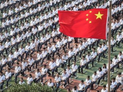 """镜观中国特刊丨2020,难忘那抹""""中国红"""""""