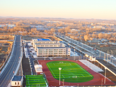 """中广核亿元捐建的乌兰浩特市""""白鹭学校""""落成揭牌"""