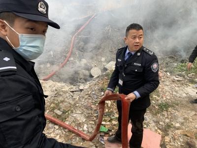 马田街道网格员又立功!协助消防员及时扑灭一起火灾