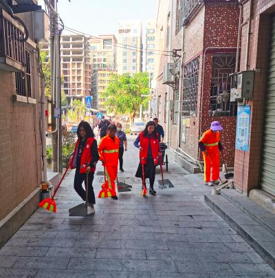 """凤凰街道治理""""城中村""""卫生环境,提升辖区公共文明水平"""