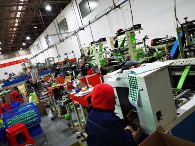 """升级版""""限塑令""""落地深圳半个多月:可降解塑料袋订单井喷 原材料上涨"""
