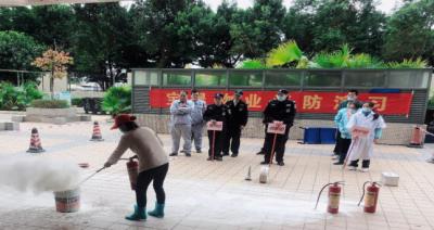 坪山区燕子岭保障性住房项目组织开展消防安全应急演练活动