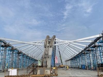 预计今年6月通车!前海梦海前湾河桥主体承重结构完工