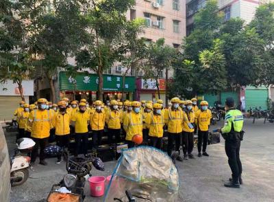 龙岗交警开展外卖骑手交通安全培训