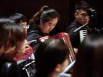 别样音乐会:机器人助阵指挥电子交响乐团