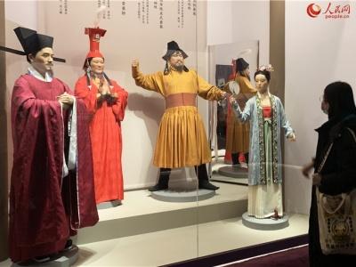 """""""中国古代服饰文化展""""亮相中国国家博物馆"""