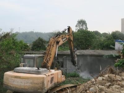 惠东深汕西高速改扩建项目白花段9处违建民房被拆除