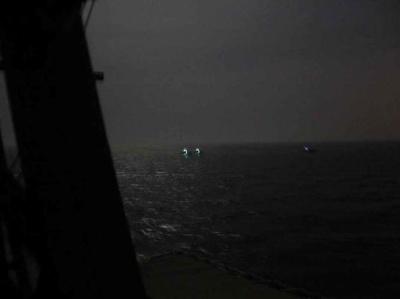 美国海军:美方在波斯湾北部向伊朗军舰开火示警
