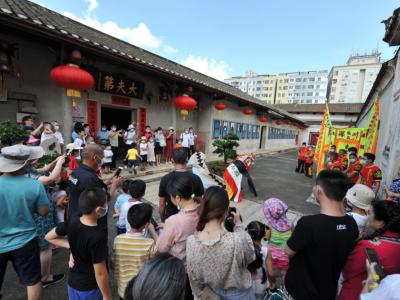 龙岗区客家民俗博物馆鹤湖新居举行中秋活动
