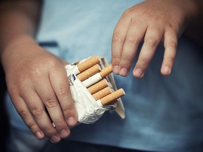 察言观社丨烟盒印警示图,不能再拖了