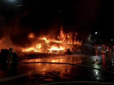 地标变鬼楼:高雄大火已致46死,伤亡严重有五大关键因素