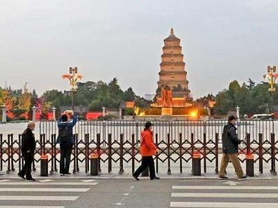 因疫情防控,西安大雁塔景区、大唐不夜城暂停开放
